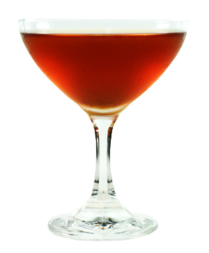 Club cocktail, un Coctail Normand à base de Dubonnet, Cointreau et Calvados